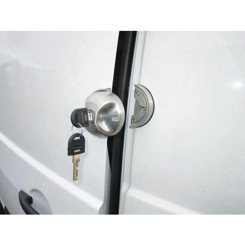 Cerradura de seguridad en puertas traseras y laterales